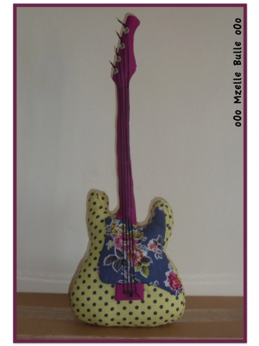 guitare, couture, tissu, confection, réalisation, Mzelle Bulle, oOo,